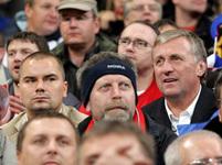 Mirek Topolánek a Marek Dalík na fotbale v Německu