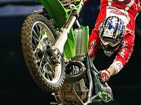Freestyle motocross - tohle doma nezkoušejte!