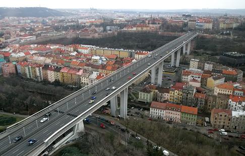 http://img.aktualne.centrum.cz/126/42/1264248-nuselsky-most.jpg