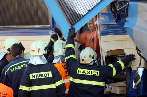 Srážka vlaků na nádraží v Čerčanech