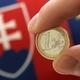 Slovenský ministr financí Jan Počiatek drží slovenské euro
