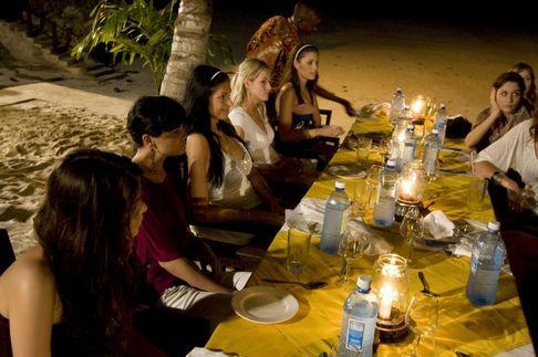 Finalistky České Miss 2009 romanticky povečeřely na hotelové pláži Coco beach