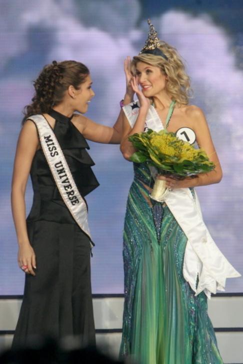 Finále České Miss 2009 - Miss Universe Dayana Mendozaová a nová Česká Miss Iveta Lutovská