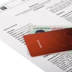 """<b>24. 11. - Praha prodělala téměř miliardu na Opencard</b> -  Nezávislý audit ukázal, že elektronické jízdenky Opencard přišly Prahu na asi 888 milionů korun, příjmy z nich jsou ale nulové, ačkoli původní plány počítaly s tím, že začnou generovat zisk už v roce 2008.<br>Podle vyjádření auditorů byl odhad příjmů už od počátku nerealistický, subjekty zainteresované v projektu ho značně přecenily. <br>Neúspěch ambiciózního projektu, který mimo jiné slouží Pražanům jako nový typ předplatného pro MHD, vyvolal vlnu napětí v nejvyšších patrech pražské politiky.<br><b>Připomeňte si tuto událost <A href=""""http://aktualne.centrum.cz/domaci/zivot-v-cesku/clanek.phtml?id=653915"""">ve článku zde</A></b>"""