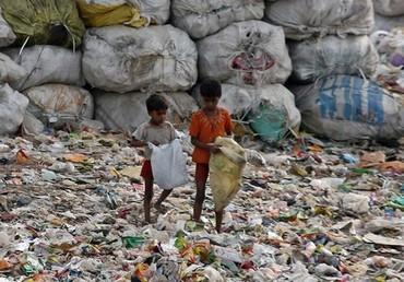 děti na skládce