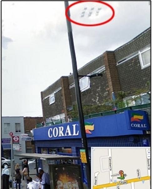 Ufo nad londýnskými střechami