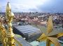 Solární panely pronikly i do centra Prahy.