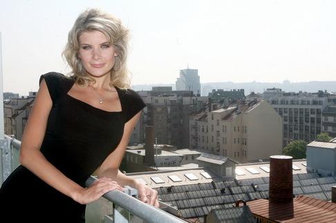 Iveta Lutovská v novém bytě v pražských Holešovicích