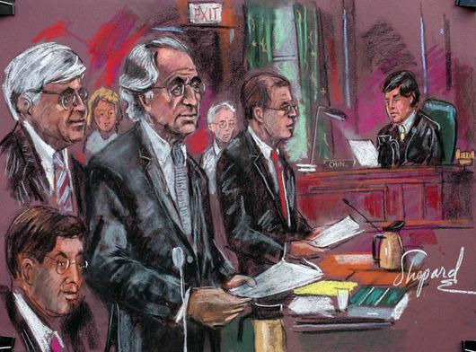"""<b>29. 6. - Madoff dostal 150 let vězení</b> - Finančník Bernard Madoff byl odsouzen za obří podvod na 150 let vězení. Madoff zpronevěřil až 65 miliard dolarů.<br>Madoff byl od března obviněn z 11 trestných činů. Madoffova investiční společnost, které důvěřovala řada nadací i slavných společností, byla pouhou pyramidovou hrou. Peníze přijaté od klientů nebyly dál investovány, ale posloužily na výplatu """"výnosů"""" klientů předchozích.<br><b>Podrobnosti si <A href=""""http://aktualne.centrum.cz/ekonomika/business-ve-svete/clanek.phtml?id=641195"""">připomeňte ve článku zde</A></b>"""
