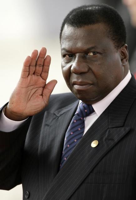 """<b>2. 3. - Vražda prezidenta Guineje-Bissau</b> - Joao Bernardo Vieira, prezident Guineje-Bissau (na snímku), byl zavražděn. Jeho život ukončili vojáci pár hodin poté, co v této západoafrické zemi vypukly nepokoje.<br>Nepokoje odstartovala vražda šéfa ozbrojených sil. Generál Batista Tagme Na Wai zahynul při nedělním útoku na sídlo generálního štábu. Bylo veřejným tajemstvím, že se s prezidentem nemohl vystát a podle zdrojů Reuters bylo zabití prezidenta pomstou za smrt Na Waie.<br><b>Další podrobnosti si </b><A href=""""http://aktualne.centrum.cz/zahranici/afrika/clanek.phtml?id=630896""""><b>připomeňte ve článku zde</b></A>"""