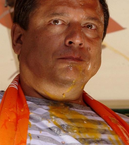 Vajickova sprcha pro populisticky prasata - nejlepsi video