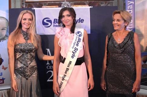 Závěrečný galavečer Miss ČR v Dubaji - Táňa Kuchařová, Barbora Škodová a Věra Jeřábková