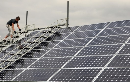 Instalovaný výkon jejich první vlaštovky je 3,2 megawattů (zhruba dvacetina procenta výkonu jaderné elektrárny Temelín). Skutečná výroba proudu přitom závisí na intenzitě slunečního záření.
