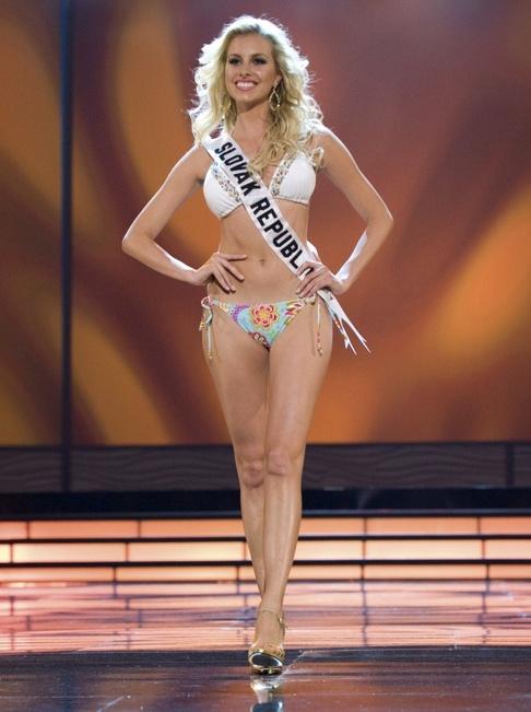 Semifinálový večer Miss Universe 2009 -Miss Slovensko Denisa Mendrejová