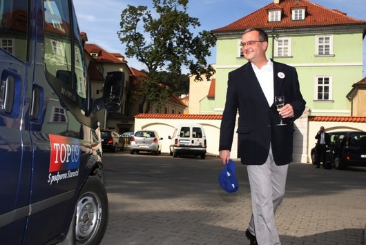Veselý Miroslav Kalousek zahajuje kampaň nováčka na politické scéně TOP 09.