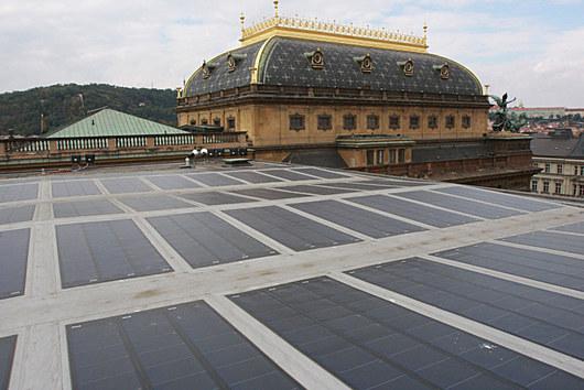 ...na střeše Národního divadla.