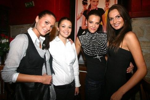 Kateřina Sokolová pořtila svou kolekci jeansu - Tereza Zimová, Veronika Pompeová, Kateřina Sokolová a Eliška Bučková