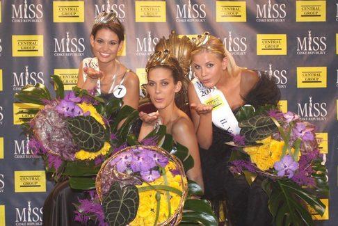 1. Vicemiss ČR 2009 Lucie Smatanová, Miss ČR 2009 Aneta Vignerová a 2. Vicemiss ČR 2009 Hana Věrná