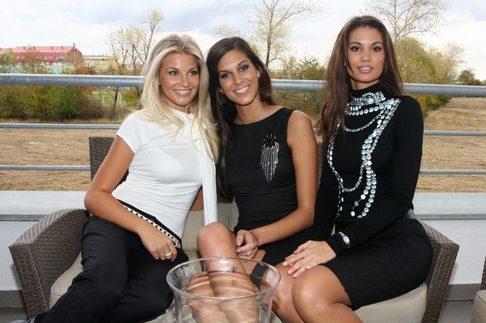 Vítězky Miss ČR převzaly luxusní byty -Hana Věrná, Aneta Vignerová, Lucie Smatanová