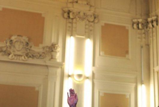"""<b>07. 10. - Rychlotitul práv získaly i děti Mrázka</b> - Akreditační komise vypočítala, že na právnické fakultě v Plzni vystudovalo více než 400 lidí magisterský obor za méně než čtyři roky.<br>Podle informací Aktuálně.cz mezi lidmi, kteří získali titul v podezřele krátké době, jsou například obě děti zastřeleného bosse podsvětí Františka Mrázka. Michal a Monika Mrázkovi studovali na plzeňské právnické fakultě ve stejném období - od září 2003 do května 2005.<br><b>Připomeňte si tuto událost <A href=""""http://aktualne.centrum.cz/domaci/kauzy/clanek.phtml?id=649518"""">ve článku zde</A></b>"""