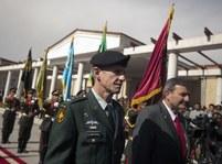 Eikenberry a McChrystal