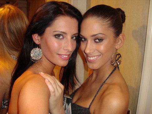 Aneta Vignerová na Miss World - s Miss Slovensko
