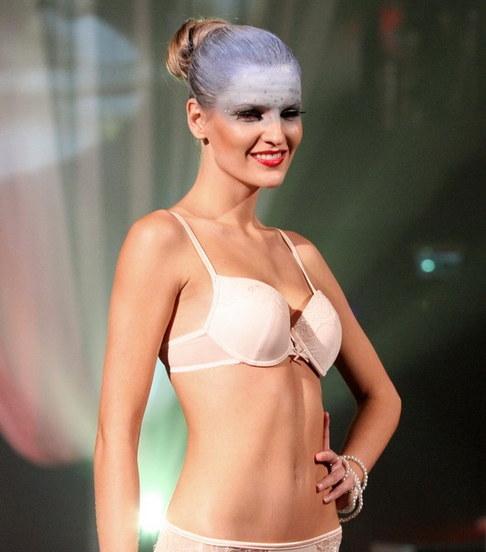 Módní přehlídka spodního prádla Triumph - Veronika Chmelířová
