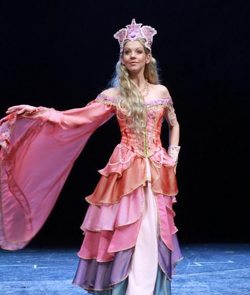 Focení kostýmů k muzikálu Baron Prášil - Sabina Laurinová