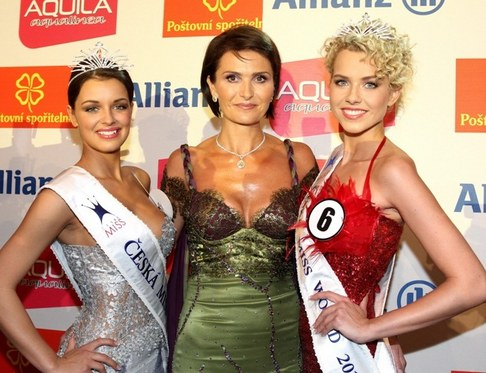 Finálový večer České Miss 2010 - Jitka Válková, Michaela Maláčová a Veronika Machová
