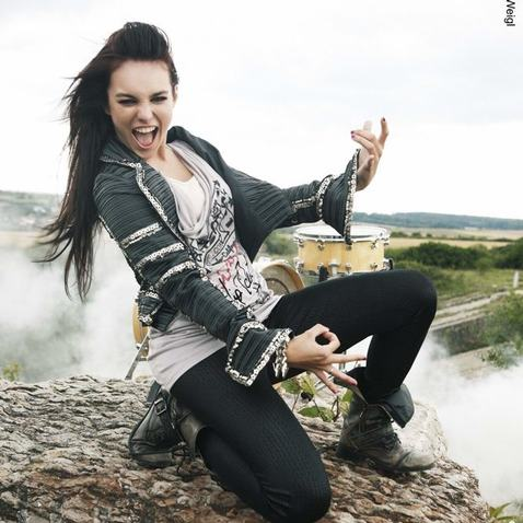 Ewa Farna v kalendáři 2011