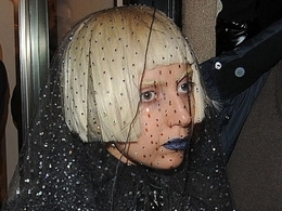 Lady GaGa na nákupech