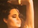 Angelina Jolie v klipu Alta Marea