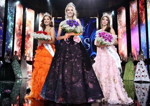 Česká Miss 2011 - Šárka Cojocarová, Jitka Nováčková a Denisa Domanská
