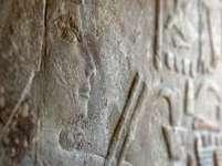 Hieroglyfy v objevené hrobce starověkých zubařů