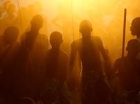 Tanec v africkém slunci