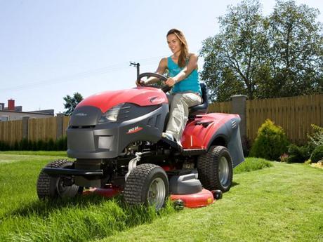 Traktor xhx 240