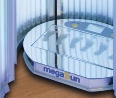 Solárium s vibrační plošinou