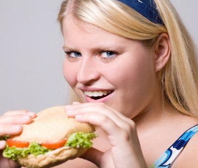 Pár tipů: Jak přežít ve vztahu tlustá?