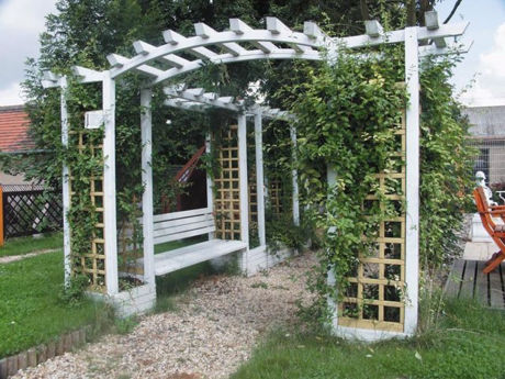 je as postavit v zahrad pergolu super tipy pro vs. Black Bedroom Furniture Sets. Home Design Ideas