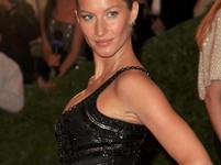Met Gala 2012 v Metropolitnm muzeu - Gisele Bundchen