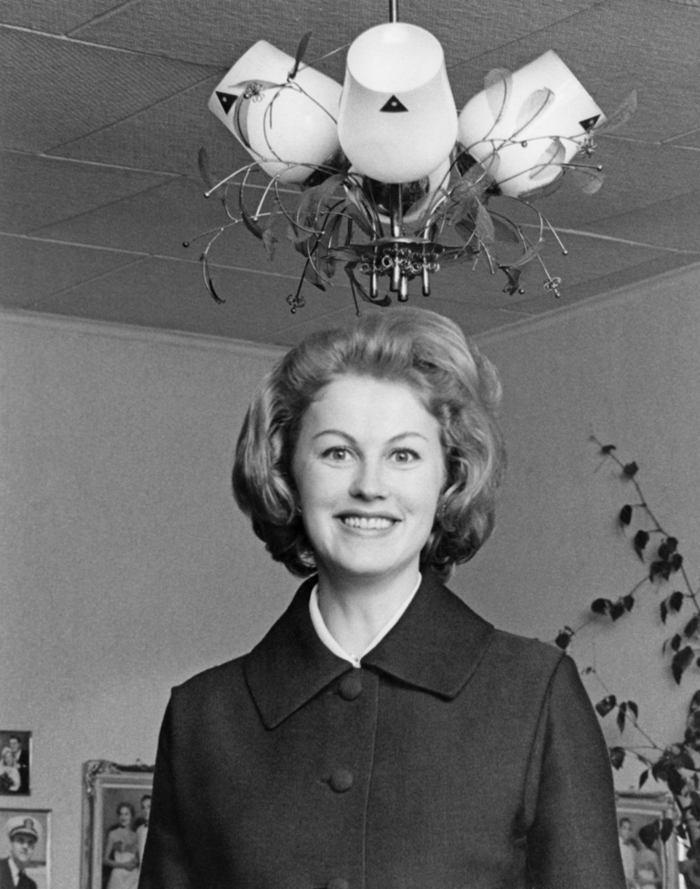 Armi Kuusela jako prvn  237  Miss Universe v historii  rok 1952 Kalifornie    Armi Kuusela