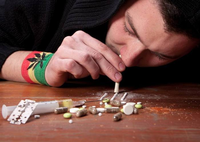 essays on addiction to drugs and alcohol Start your alcohol essay with the fact that alcohol use disorder is a common term used to refer to alcoholism or in simpler terms addiction to alcohol.