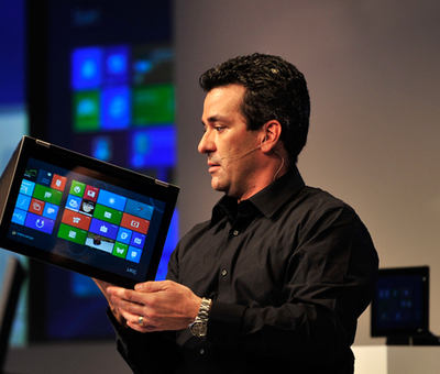 Windows 8 se prodalo 100 milion�, ale z�jem kles�