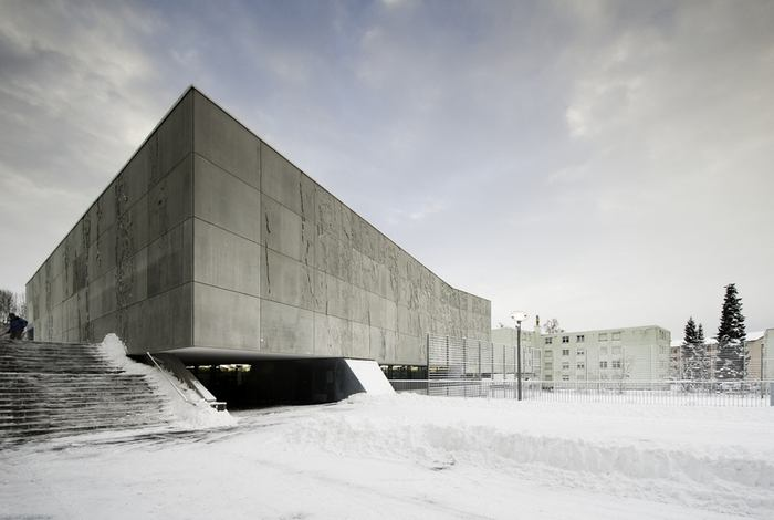 &lt;P&gt;&lt;b&gt;Auditorium, Piere Eckert a Wim Eckert/ e 2 a, Stfa, 2010&lt;/b&gt;&lt;/P&gt; &lt;P&gt;Stavba je estetickm protiplem tvrdho a drsnho mstskho prosted a tvo nov,&lt;BR&gt;hustou st propojen centrum malho vzdlvacho arelu, piem nov interpretuje architekturu sedmdestch let.&lt;BR&gt;&lt;/P&gt;