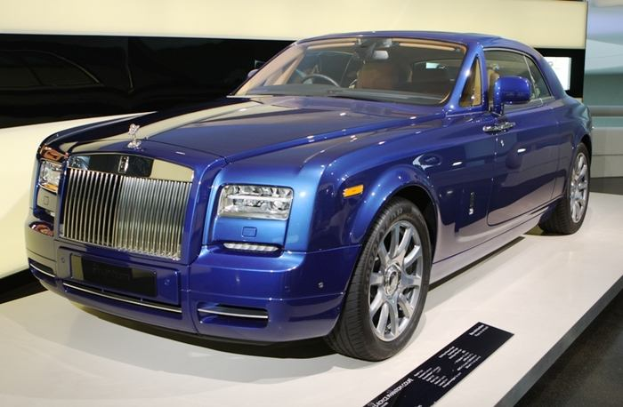 Does rolls royce owned bmw #7