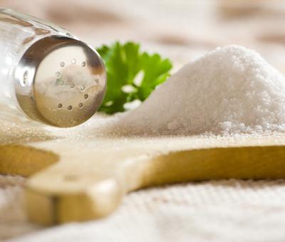3 tipy, čím a jak v kuchyni nahradit sůl!