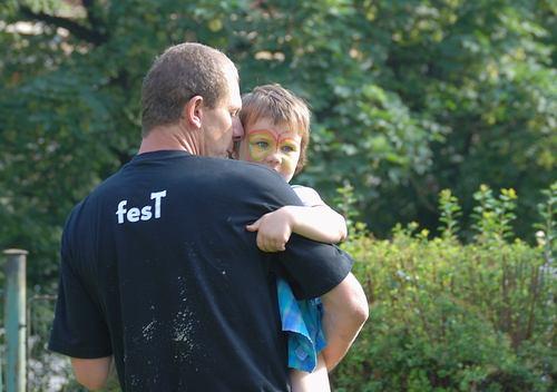 Otec - táta - dítě - rodina - otcovská dovolená