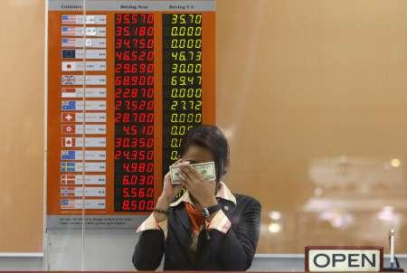 Mnoho obchodníků mimo Bangkok přestalo kvótovat obchody s bhatem, neboť mají strach ze ztrát. Centrální banka totiž chce zasáhnout proti posilování této měny.
