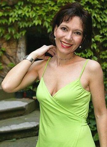 https://img.aktualne.centrum.cz/143/80/1438021-michaela-dolinova.jpg