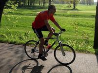 Cyklostezka začíná ugolfového hřiště avede až doČeských Budějovic.
